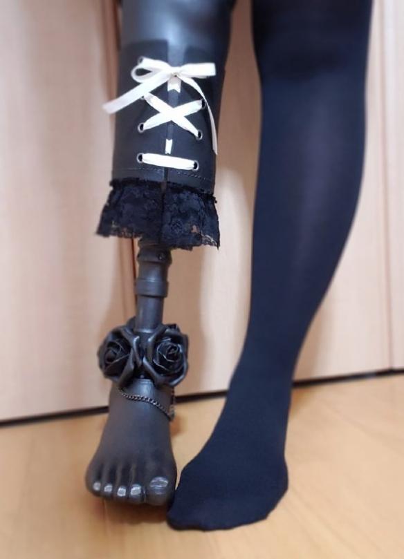 蕾丝美腿和黑丝美腿你要哪个?囧图他老婆像长泽雅美