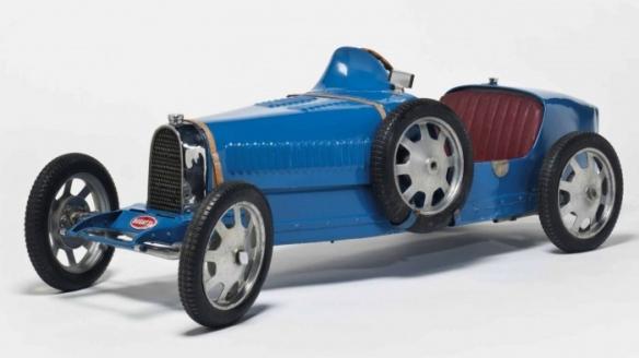 86万!法拉利330 P2复刻版儿童车:创下世界新纪录!