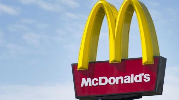 """麦当劳与人造肉公司达成合作:你的""""汉堡""""想吃素吗?"""