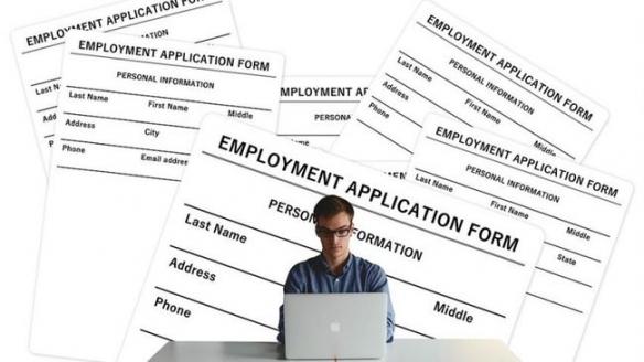六成大学生会因工作太简单而辞职!前浪要死在沙滩上?