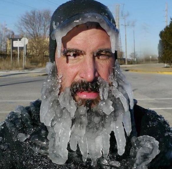 冬天一场雨 胡子瞬间结冰!展示大自然惊人力量的照片