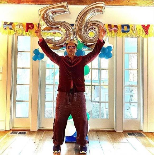 小罗伯特·唐尼昨日晒照庆56岁生日 锤哥、美队送祝福