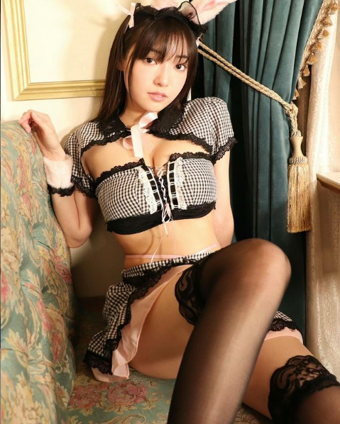 制服内藏着「G杯核弹」!惹火19岁美少女樱田爱音!