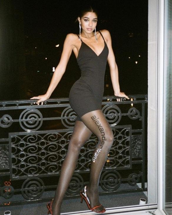 被评2020社交媒体最性感女性!西班牙混血模特Ventura