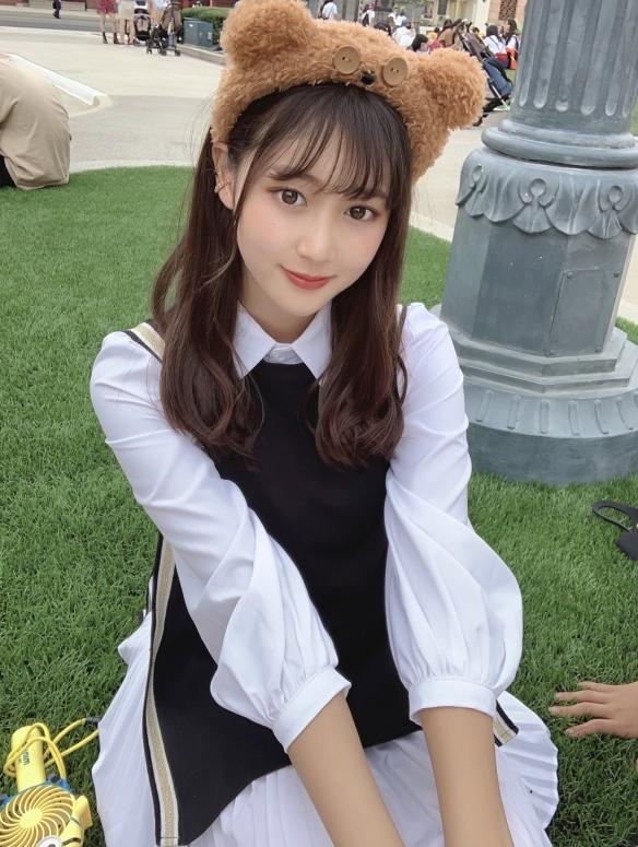 霓虹制服美少女发育惊人!光野有菜身材姣好+完美脸蛋