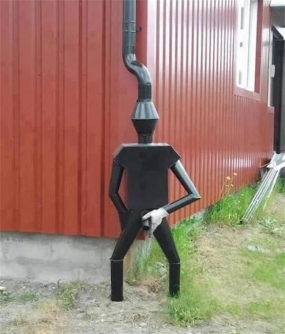 站着方便的人居然是个水管?这38个让人头大的设计