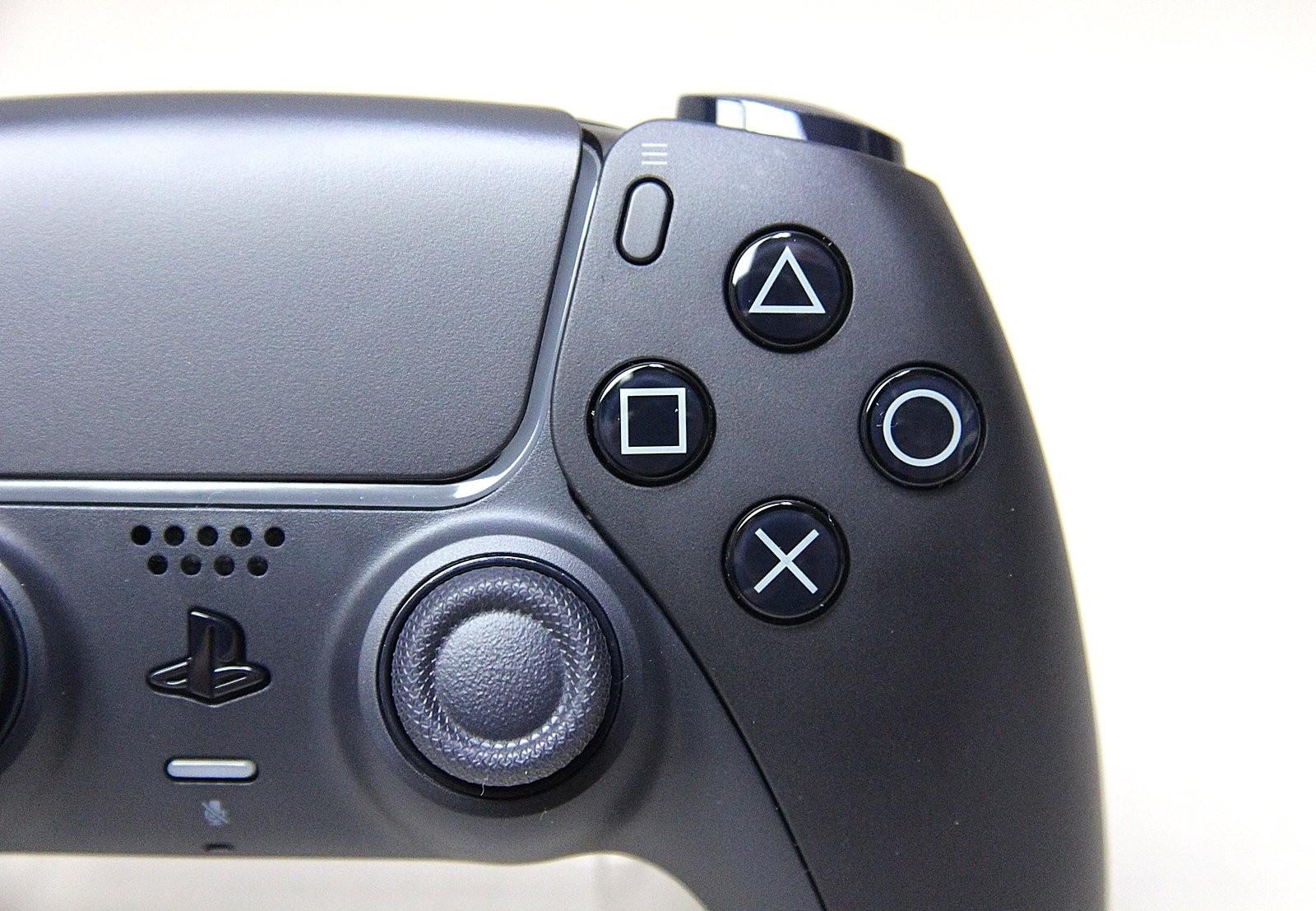 PS5手柄新色午夜黑和星辰红实物图曝光 更多细节展示