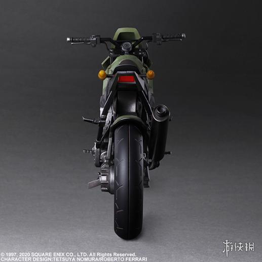 《FF7:重制版》杰西新手办完美再现骑摩托名场面!
