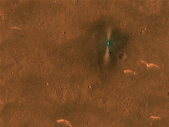 """NASA分享""""祝融号""""火星车俯视照!位于火星乌托邦"""