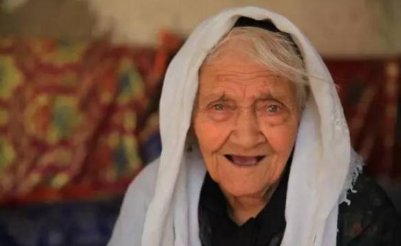 最新研究:人类寿命上限或为150岁 将来120岁退休?