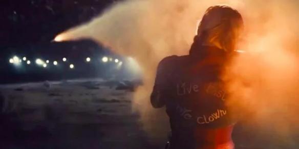 滚导:《自杀小队2》小丑女服装灵感来自《阿甘之城》