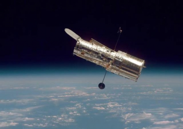 哈勃太空望远镜已经死机十几天 NASA依旧没能修复!