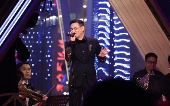三强出炉!歌神张学友在香港小姐决赛中四首连唱!