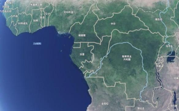 赤道也下雪!非洲喀麦隆现罕见降雪 民众激动玩乐