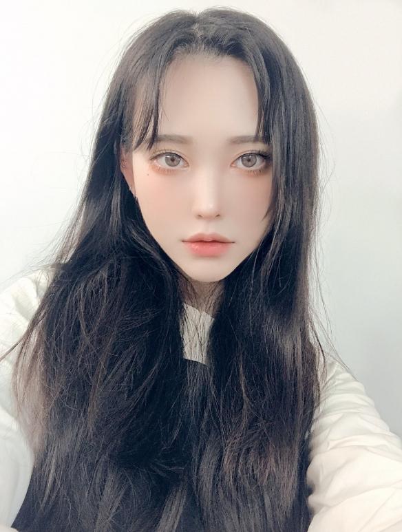 高颜值+化妆技巧=男女通杀!韩国美少女COS富江走红